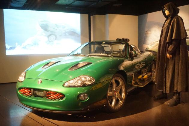 当年的这台绿色捷豹XKR相信也征服了一大票的车迷