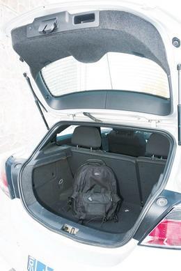 307SW的行李厢空间非常理想