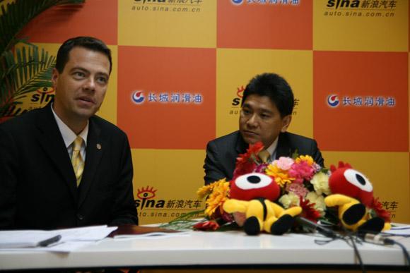 曼公司亚太区总裁兼CEO李荣耀先生和曼公司中国区副总裁菲舍尔先生