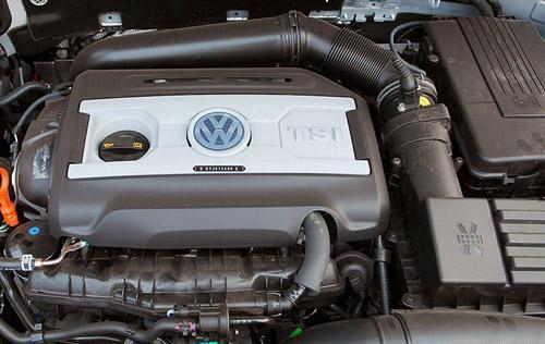 图为迈腾1.8TSI发动机-拼性能还是拼经济 1.8T发动机谁能独领风骚图片