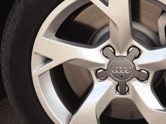 2009款一汽奥迪A6L精美的轮毂