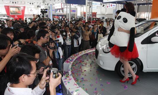 吉利熊猫成为广州车展的明星