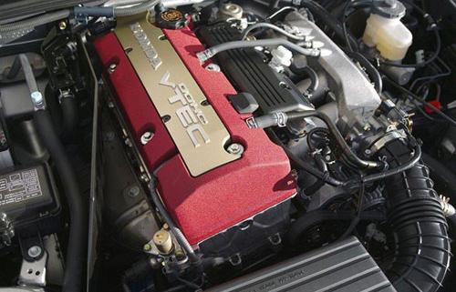 图为本田F20C发动机
