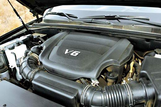 3.8 L V6发动机增加了双CVVT系统,燃油经济性要比之前的欧菲莱斯和索兰托有所提升