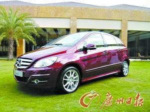 奔驰B-class跌破30万元的售价再次刷新了奔驰车的底价,也让人对它产生很大兴趣。