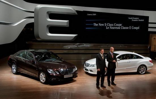 图为奔驰全新E级轿车发布现场