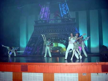 图:东风雪铁龙赛纳上式仪式上的精彩舞蹈