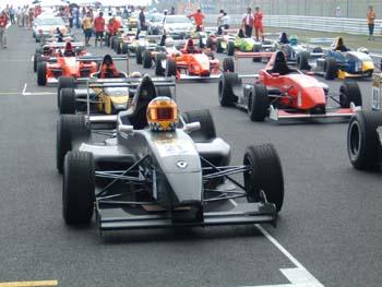 雷诺方程式赛车图片