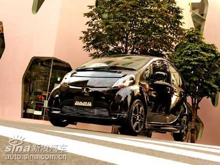 DAMD改装版的黑酷Mitsubishii