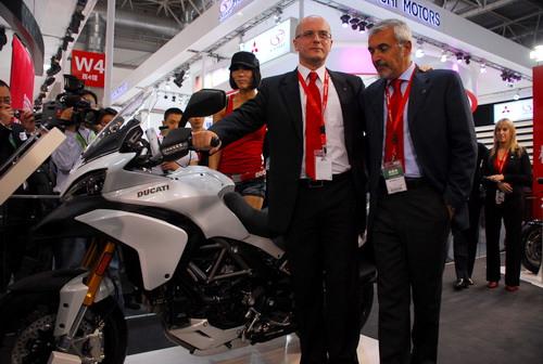 杜卡迪亮相北京车展推出Multistrada1200