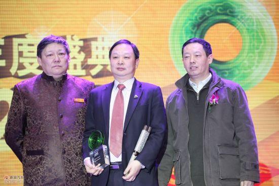 新浪年度车2011中高级车奖:东风雪铁龙C5