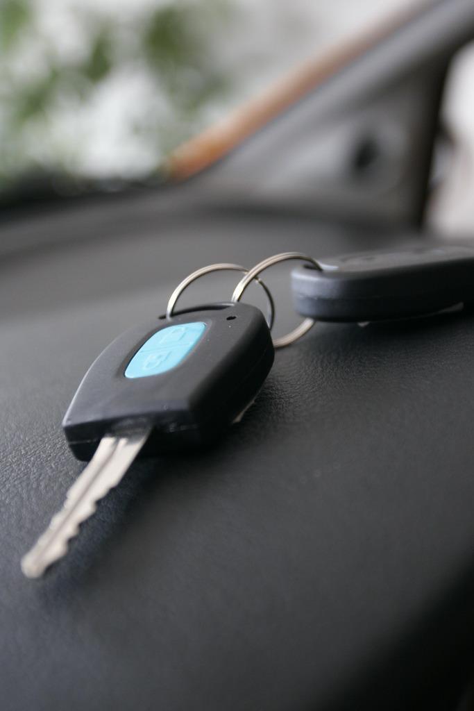 长安汽车奔奔车钥匙高清图片