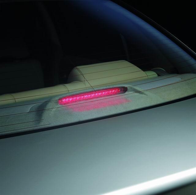 2004款阳光高位刹车灯