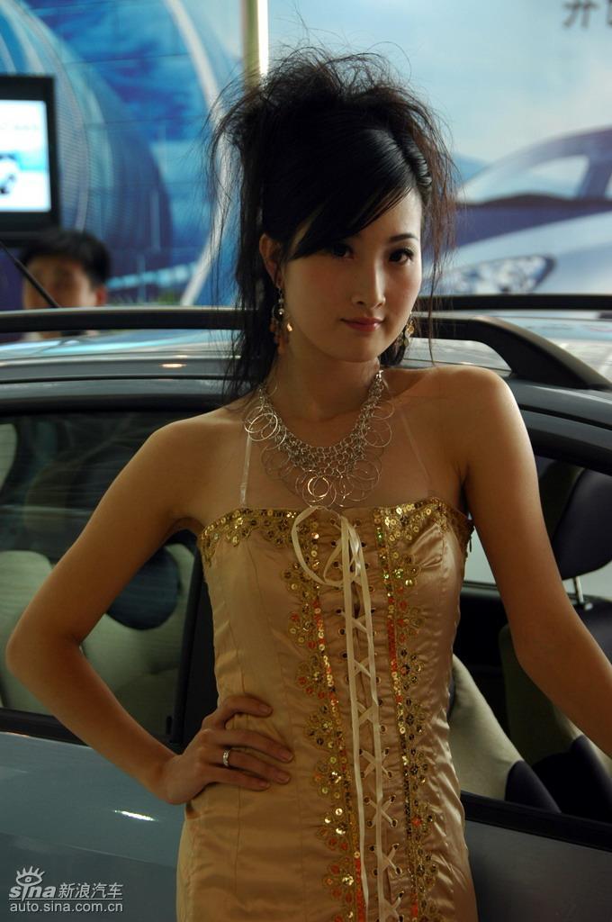 南京国际车展模特_08南京车展模特图; 2008南京国际汽车展览会在南京国际展览中心华丽