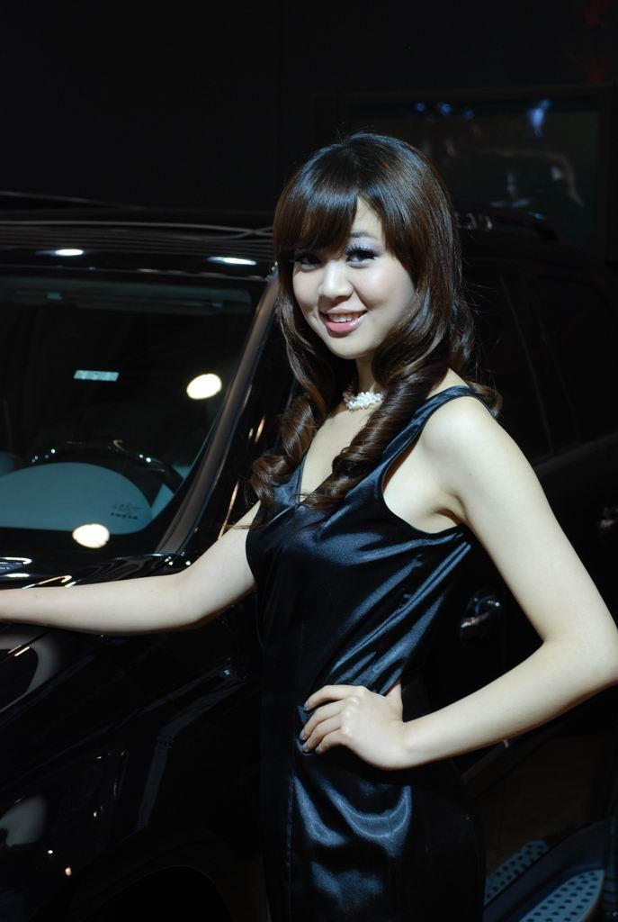 青岛车展美女模特_图片_新浪汽车_新浪网