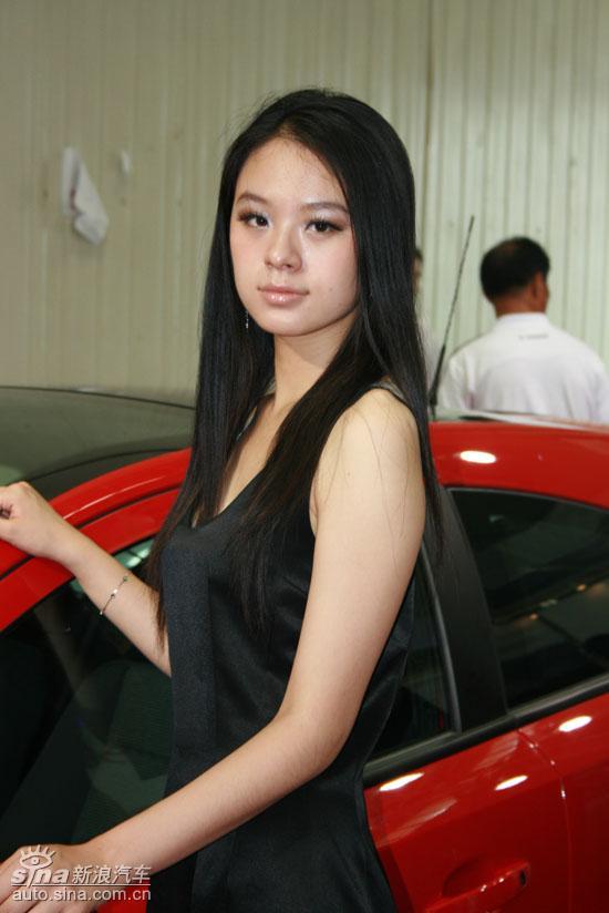 09沈阳车展美女车模