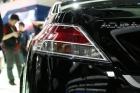 2010年北京国际车展将于4月23日至5月2日在位于北京顺义天竺工业园区的中国国际展览中心隆重举行(零部件展位于中国国际展览中心旧馆)。作为国内著名的车坛盛会之一,本次展会将有89款全球车首发,并且将有95台新能源车现场展示,成为车展新的亮点,总参展车数多达990台。 图中所示为:讴歌TL