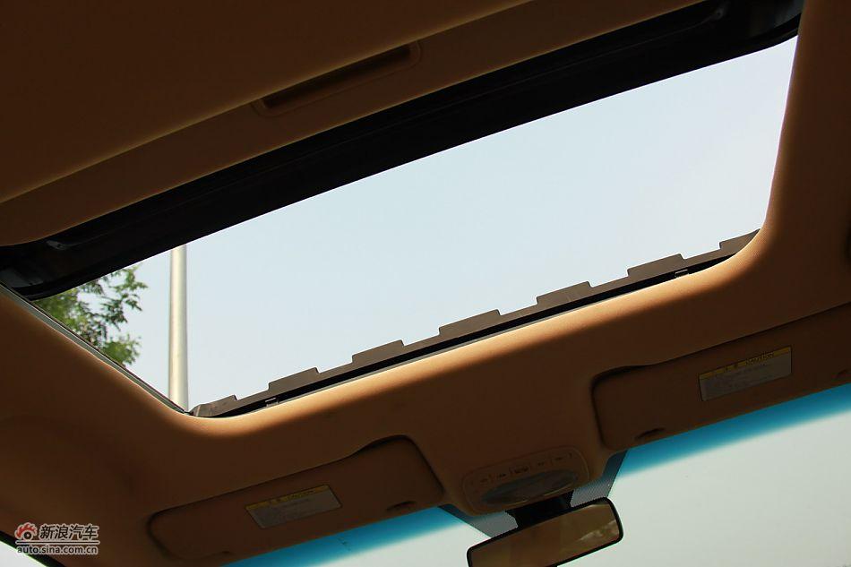 2010款改款奇瑞A3一键开关天窗