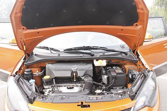 MG3 Xross 1.5L AMT版发动机舱