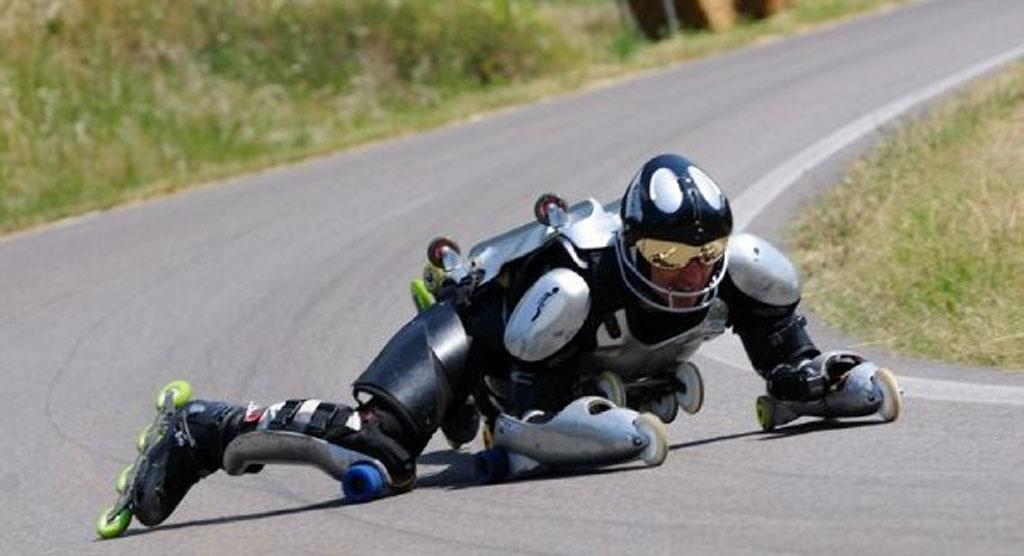 31轮创造奇迹法国人体轮滑BuggyRollin