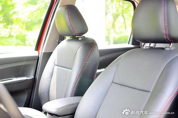 2013款景逸X5座椅空间