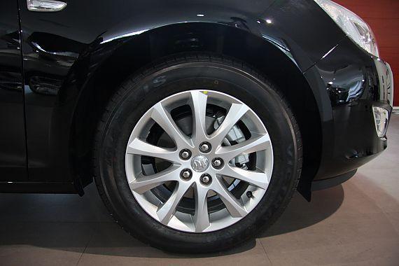 2010款英朗XT1.8L自动时尚版