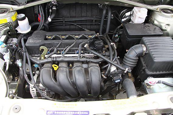 力帆X60发动机及底盘