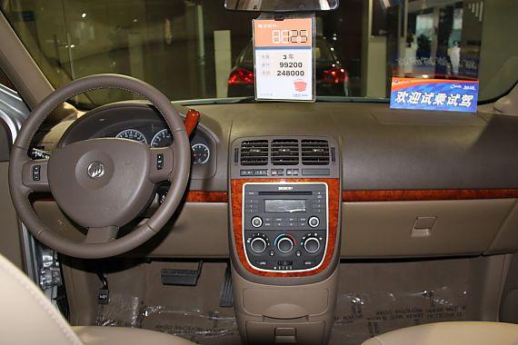 2011款别克GL8商务车到店实拍