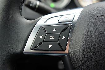 奔驰C300时尚型试车实拍