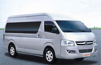 九龙商务车10座豪华自动版