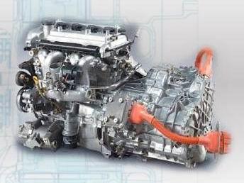 串联式混合动力是一边通过发动机发电,一边通过电动机驱动车轮,发动机