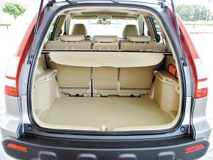 上代CR-V的车厢设计以无处不在的储物空间见称,新CR-V很好保留了这个优点。