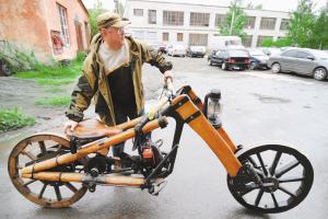 自制摩托车木头唱主角