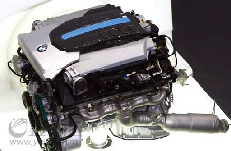 宝马氢动力7系发动机图片