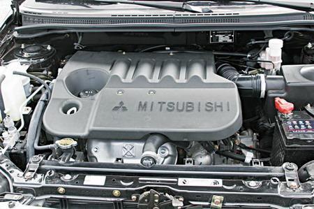 比亚迪F3白金版发动机图片
