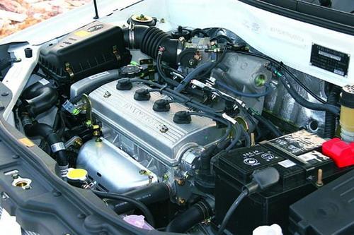 .3升发动机的最大扭矩超过100Nm,最大功率为63kW,随后还将推出1.5升发动机