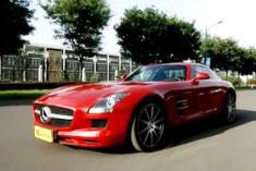 视频:[汽车测试B计划]之奔驰SLS AMG