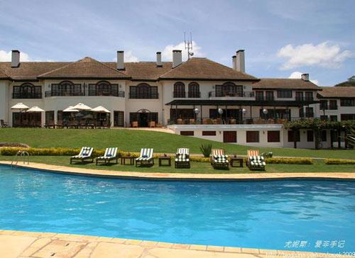 豪宅中的用泳池