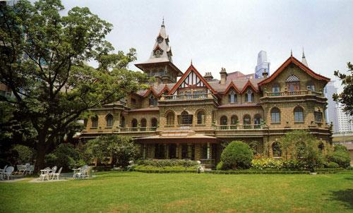 01      梦幻城堡,闹中取静   位于上海市陕西南路30号的马勒别墅是