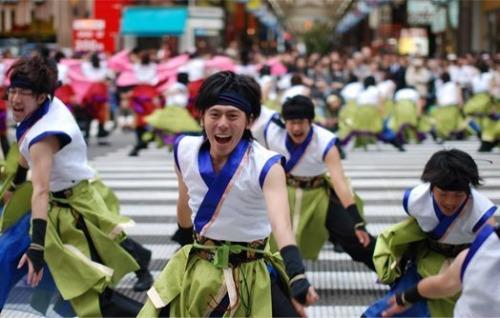 火热的日本索朗节 夏天里街头锐舞派对