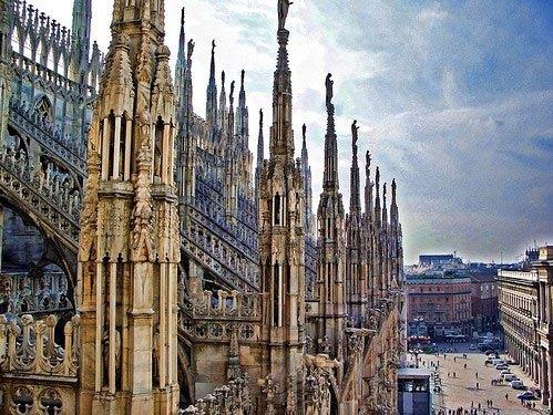 米兰大教堂是世界上最大的哥特式教堂