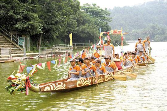 """""""端午半山扒龙船""""成为西樵山的传统习俗"""