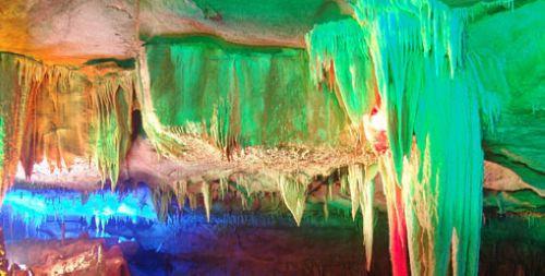 中国最美的地下河、亚洲较为年轻的岩洞