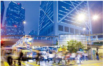 现在正是香港的打折季。