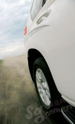 轮胎要仔细检查
