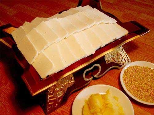 锡林郭勒美食:奶豆腐