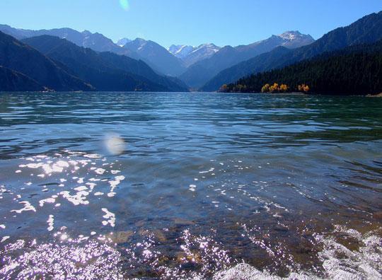 11 新疆 天山天池 美甲一方的高山湖泊图片