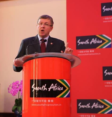 南非国家旅游部部长Marthinus Van Schalkwyk先生