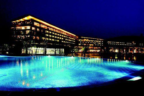 佘山艾美酒店游泳池