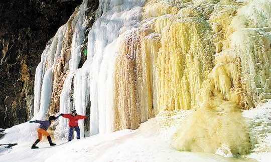 长白山矿泉冰瀑
